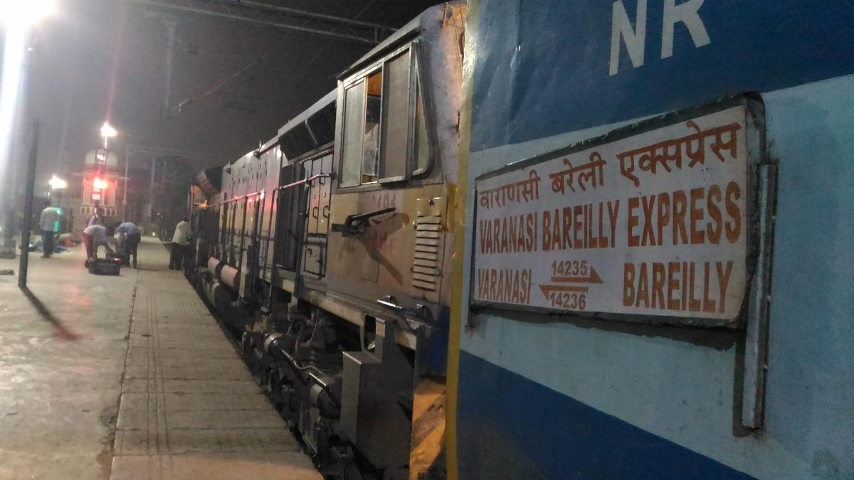 Lucknow Charbagh NR to Faizabad: 32 Trains, Shortest