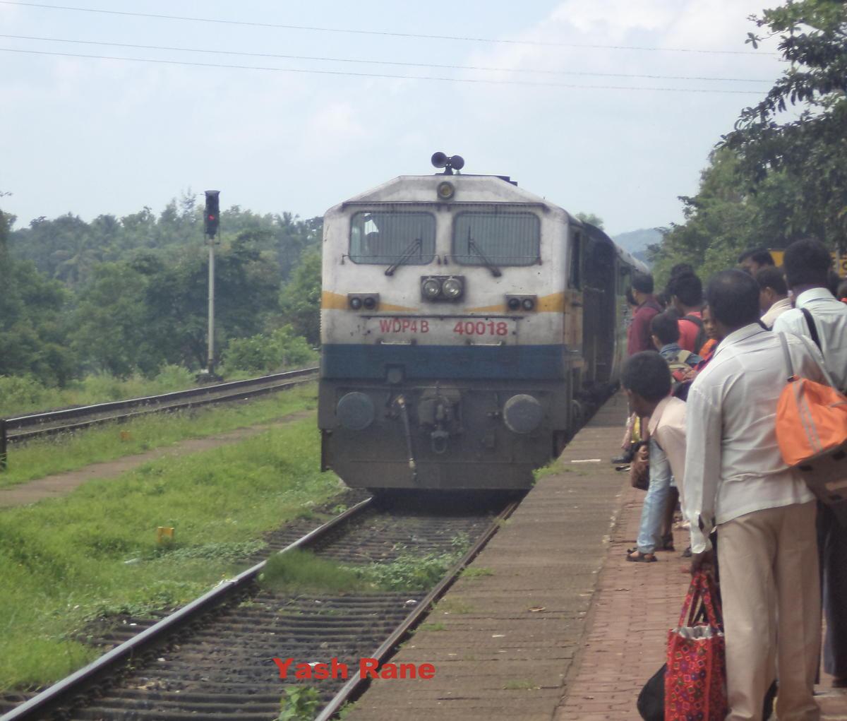 WDP-4B, 4500 HP Passenger Locomotive - Railways FAQ - Railway Enquiry