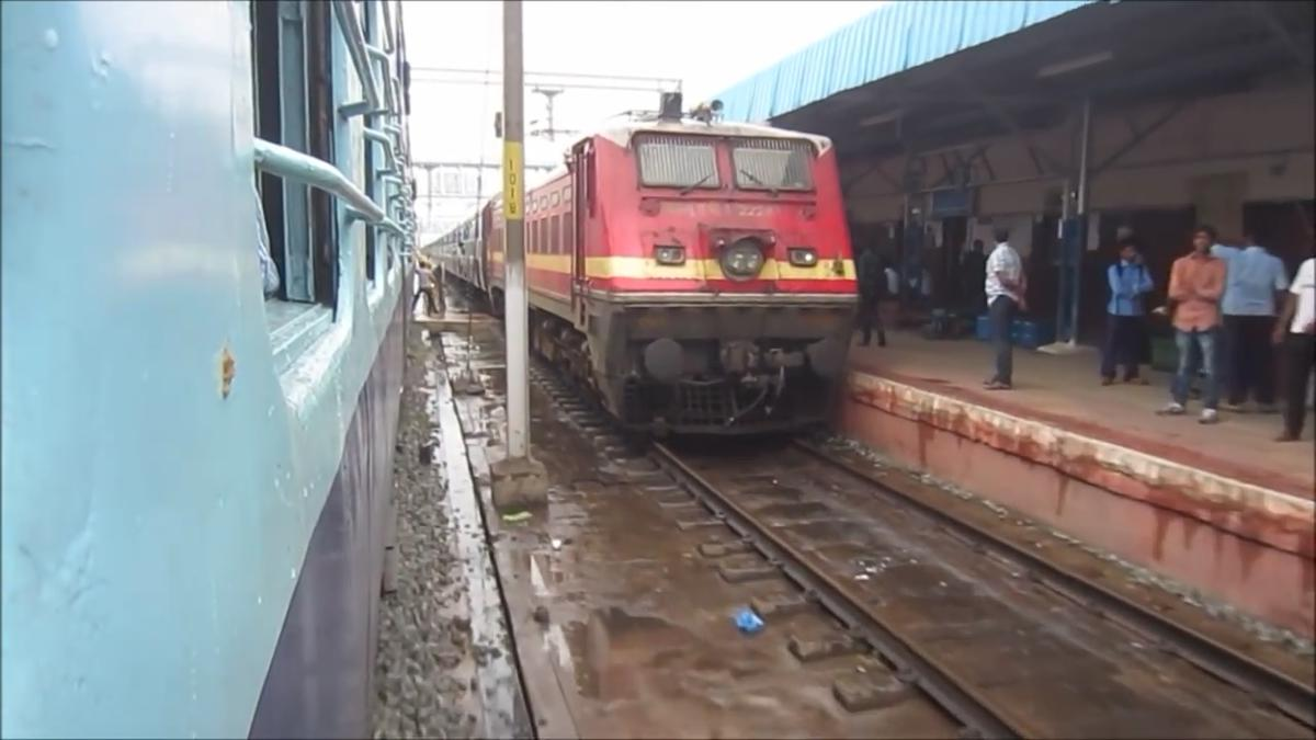 bhubaneswar tirupati sf express 22879 picture video gallery railway enquiry. Black Bedroom Furniture Sets. Home Design Ideas