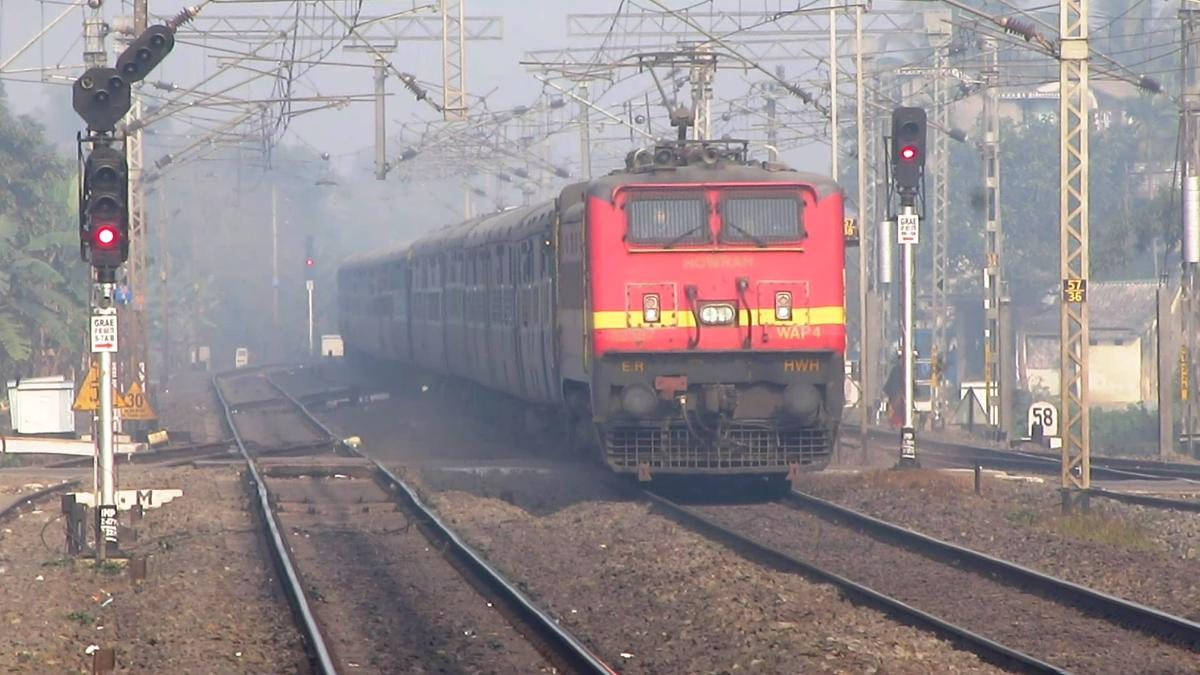 2817183-0: Winter gives opportunity for some cracki 12178/Mathura - Howrah  Chambal Express - Railway Enquiry